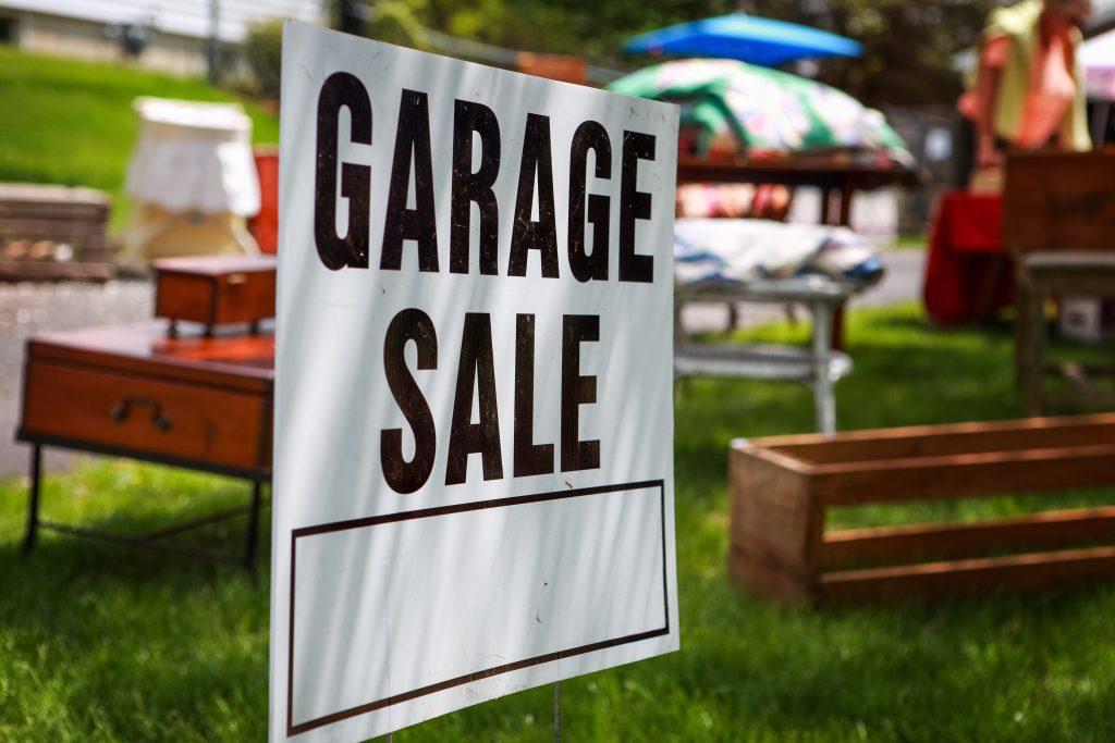 garage sale ad example