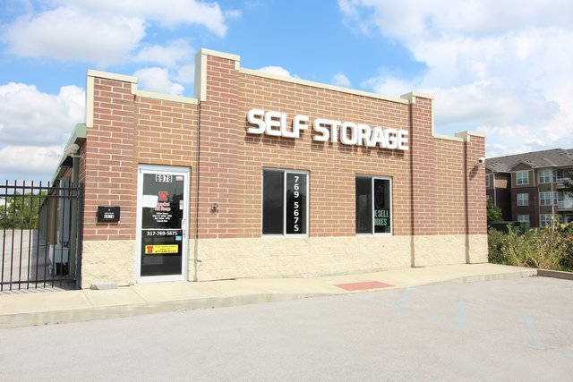 SecurCare Self Storage Zionsville facility exterior
